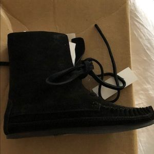Urban outfitters moccasin boots leather